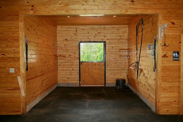 Indoor Wash Bay Derbyshire Gated Community In North